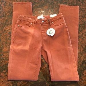 🎁 Campbell Chase Jeans